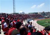 بوشهر  سکوی قهرمانی پرسپولیس در ورزشگاه تختی جم نصب شد