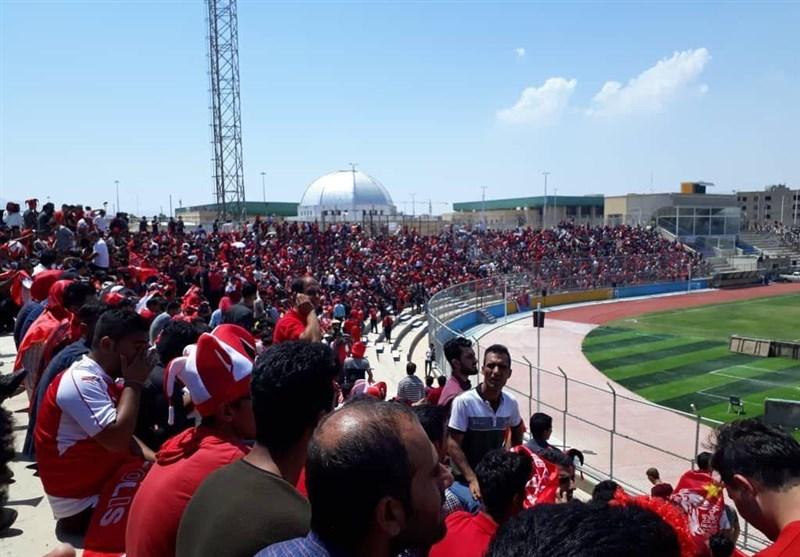 بوشهر| سکوی قهرمانی پرسپولیس در ورزشگاه تختی جم نصب شد