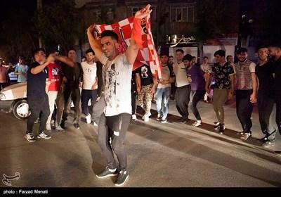 شادی مردم کرمانشاه پس از قهرمانی پرسپولیس