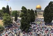 حضور دهها هزار نفری فلسطینیان در سومین نماز جمعه ماه رمضان