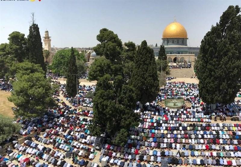 حضور بیش از 250 هزار فلسطینی در آخرین نماز جمعه مسجدالاقصی