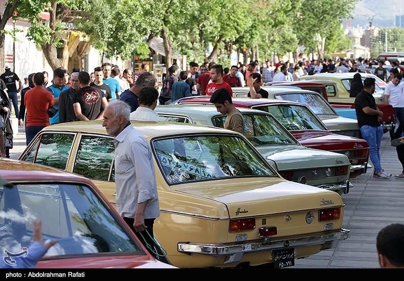 همایش خودروهای کلاسیک و امدادی در همدان