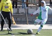 سرمربی فوتبال بانوان ذوبآهن: کمیته انضباطی با خاطیان برخورد کند