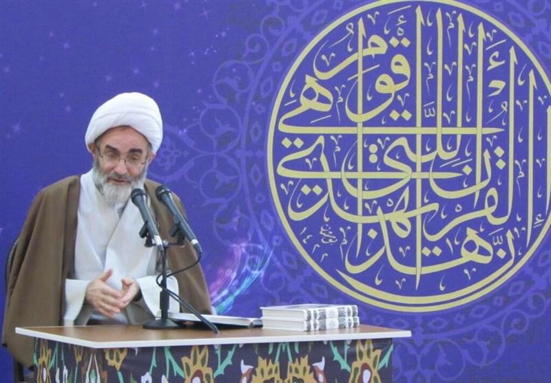 امام جمعه رشت: افراد فرهیخته از الگو شدن اعمال بد در جامعه جلوگیری کنند