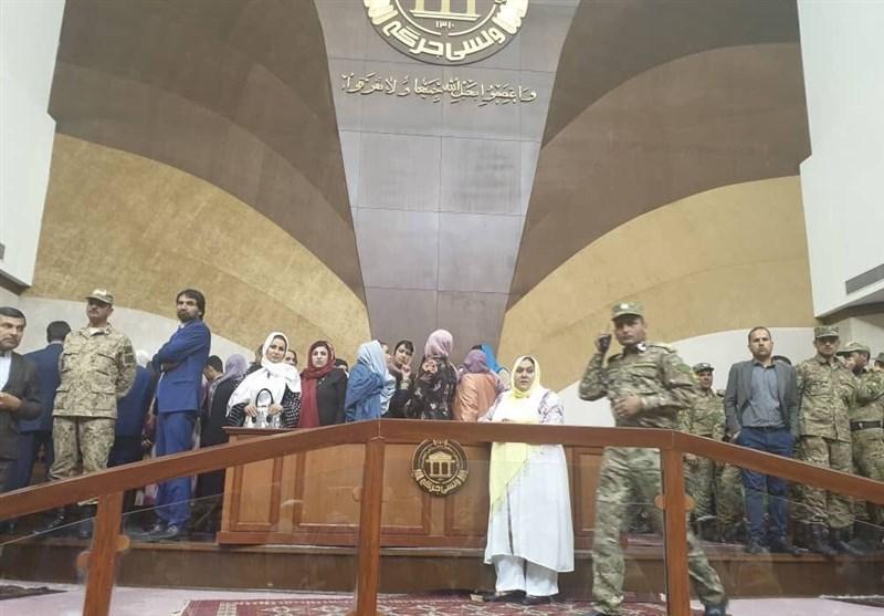 نمایندگان پارلمان افغانستان ناتوان از حل اختلاف و مخالف با ورود دادگاه عالی
