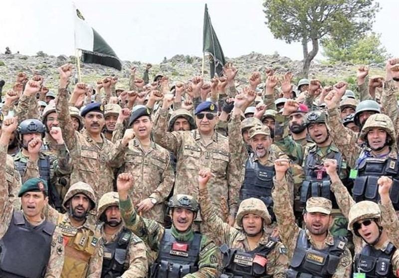 بازدید فرمانده کل ارتش پاکستان از خط مرزی افغانستان