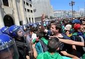 تظاهرات گسترده دانشجویان الجزایری برای کنارهگیری مسئولان نظام بوتفلیقه