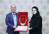 افشارزاده نشان ویژه شایستگی OCA را تقدیم موزه ملی ورزش کرد