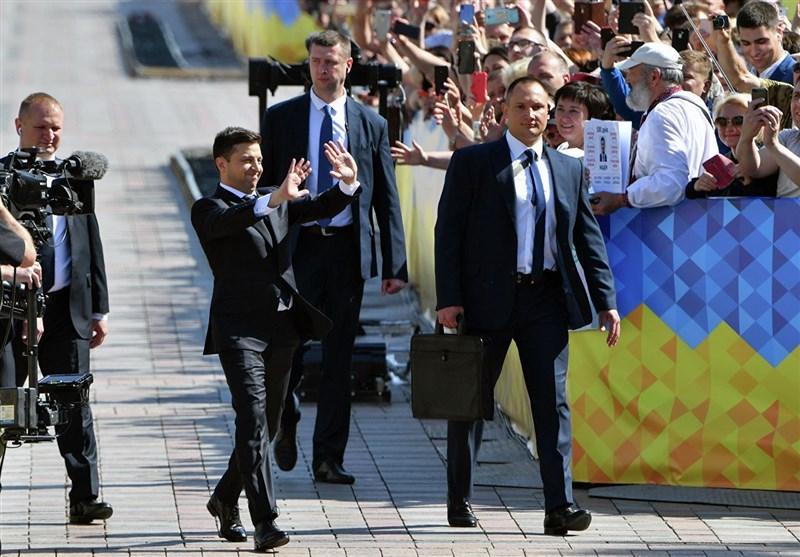 رئیس جمهور اوکراین خواستار تشدید تحریمهای آمریکا و اروپا علیه روسیه شد