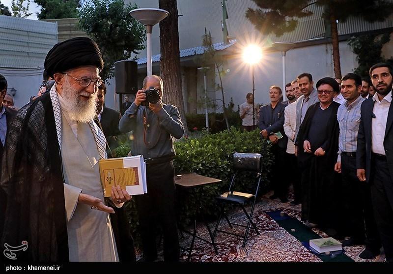 اشاره رهبر انقلاب به ویژگیهای اخلاقی شهید ابراهیم هادی در جلسه دیدار شاعران