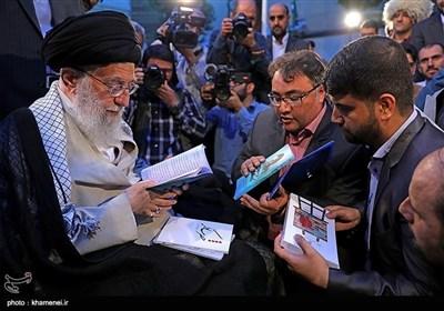 فارسی گو شعرا کی امام خامنہ ای سے ملاقات
