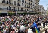 تظاهرات هزاران دانشجوی الجزایری در مقابل کاخ ریاستجمهوری