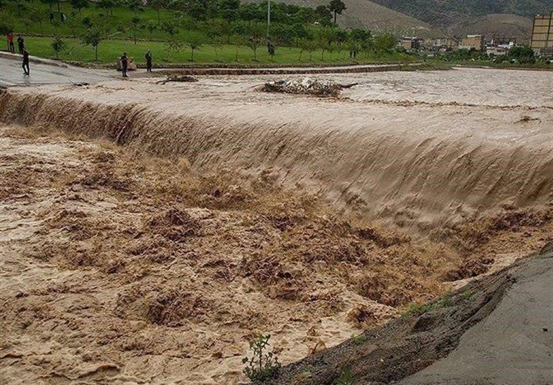 سیلی که 5 شهرستان خراسان جنوبی را درگیر و در سربیشه جان یک زن را گرفت / بارندگیها ادامه دارد