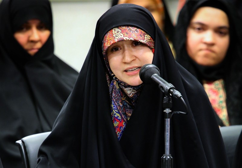 شعرخوانی شاعر افغانستانی در محضر رهبر انقلاب