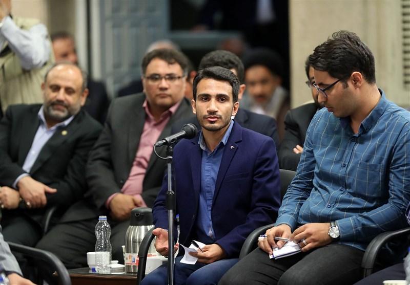 شعرخوانی حسین دهلوی در محضر رهبر انقلاب