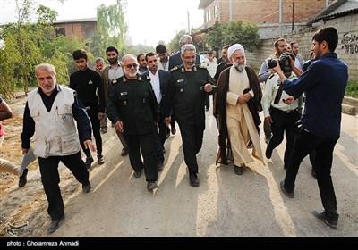 بازدید سردار غیبپرور رئیس سازمان بسیج مستضعفین به همراه مسئولان استانی از مناطق سیلزده مازندران در شهرستان سیمرغ
