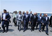Zarif Visits Chabahar En Route to Pakistan
