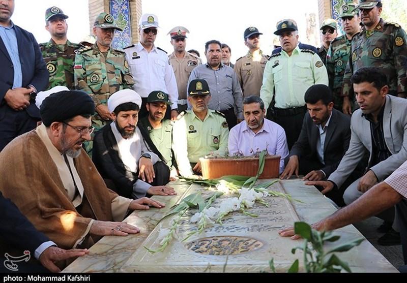 خوزستان| غبارروبی مزار شهدا به مناسبت روز دزفول به روایت تصویر