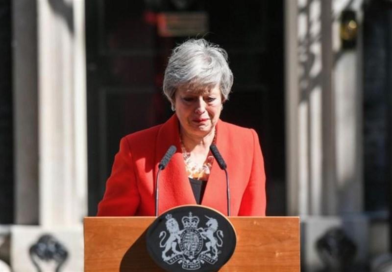 نخست وزیر انگلیس هنگام اعلام استعفا اشک ریخت+فیلم