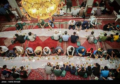 افطاری ساده مسجد اباذر