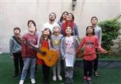 اجرای نمایش «زیر گنبد طلا» با بازی 9 کودک در تالار هنر