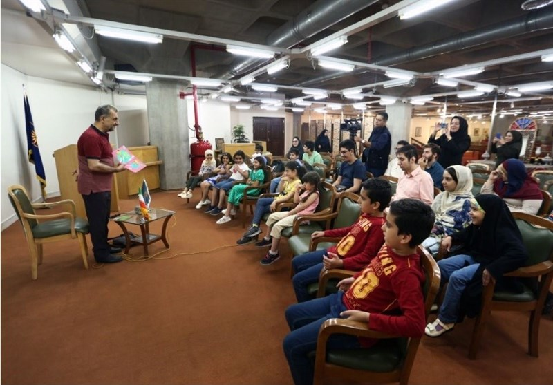 کتابگردی کودکان اوتیسم در کتابخانه ملی ایران
