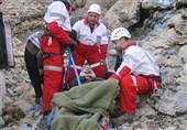 گرفتار شدن 4 کوهنورد در ارتفاعات اشترانکوه؛ بالگرد هلالاحمر به پرواز درآمد