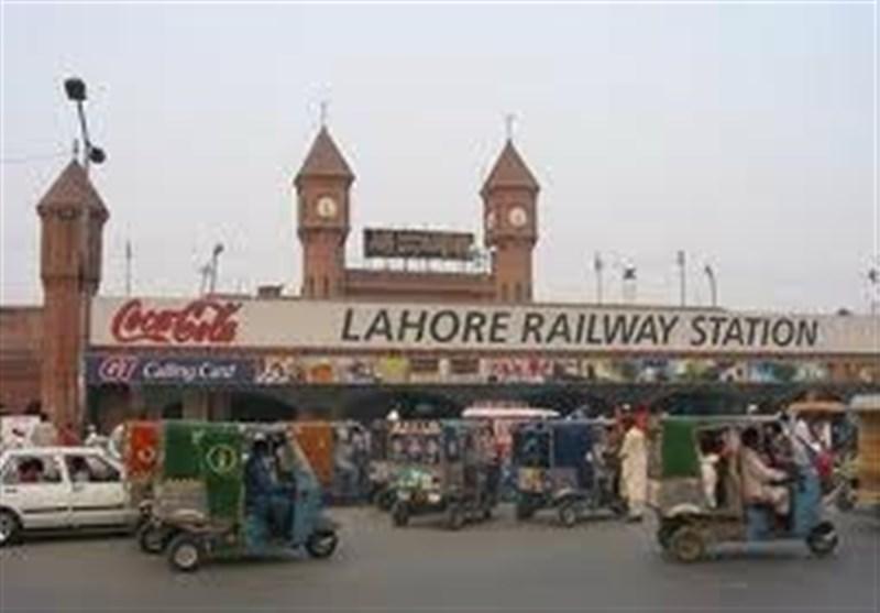 لاہور ریلوے اسٹیشن سے ٹرینوں کی تاخیر