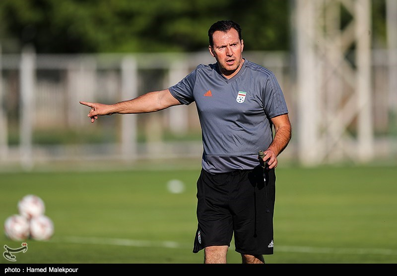 ویلموتس: باید روی استراتژی فوتبال هجومی تمرکز کنیم/ دوست دارم به بازیکنان جوان بازی بدهم