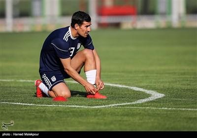 احسان حاجصفی در تمرین تیم ملی فوتبال ایران