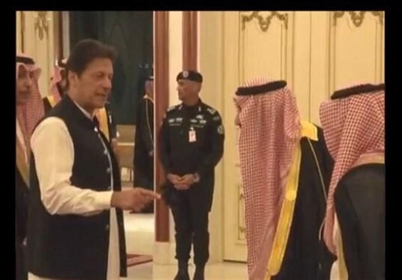 تجاهل عمران خان للملک سلمان یغضب المسؤولین السعودیین+ فیدیو
