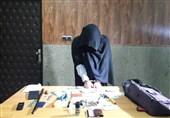 تمرین سرقت بر روی خودروهای فامیل توسط دختر جوان