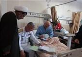عیادت دریادار خانزادی از بیماران صعب العلاج نداجا