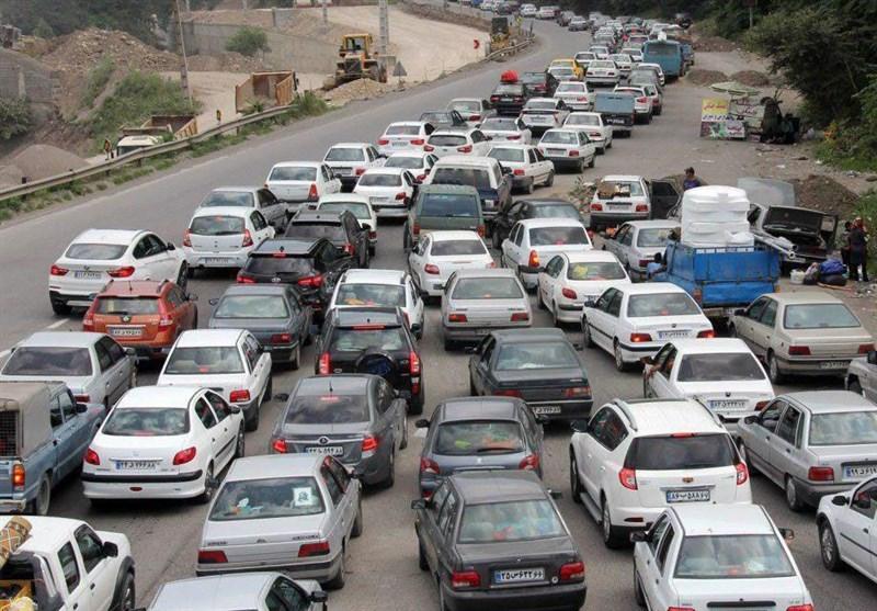 ترافیک سنگین در محورهای هراز و فیروزکوه / محدودیتهای ترافیکی لغو شد