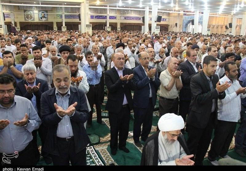 اقامه نماز عید فطر در بوشهر به روایت تصویر