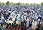 اقامه نماز عید سعید فطر در زاهدان به وایت تصویر