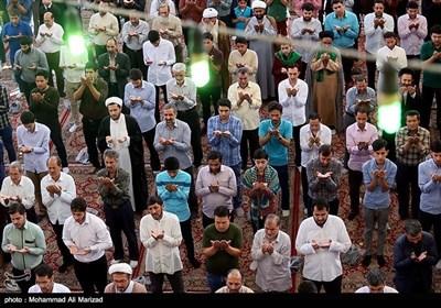 اقامه نماز عید فطر - حرم حضرت معصومه(س)