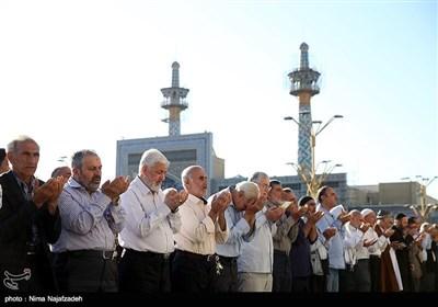 اقامه نماز عید فطر - حرم امام رضا(ع)