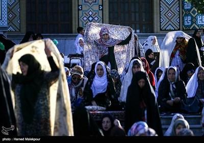 اقامه نماز عید فطر - امامزاده پنجتن لویزان
