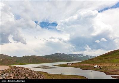 این دریاچه با متوسط 257 هکتار مساحت بزرگترین دریاچه آب شیرین استان می باشد .