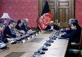 گفتوگوی اشرف غنی و خلیلزاد درباره چگونگی آغاز مذاکرات بینالافغانی