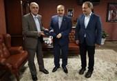 حسینی: هیچ آدم عاقلی معاون وزیرِ در حال استیضاح نمیشود/ مشکلم حل شود، برمیگردم