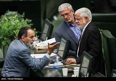 محمدرضا عارف و جواد کریمی قدوسی در جلسه علنی مجلس شورای اسلامی