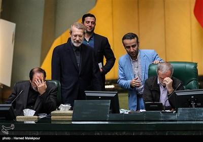 ورود علی لاریجانی رئیس مجلس شورای اسلامی به صحن علنی مجلس
