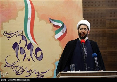 حجت الاسلام مصطفی رستمی رئیس نهاد نمایندگی مقام معظم رهبری در دانشگاهها در مراسم بزرگداشت سی و هفتمین سالگرد تأسیس دانشگاه آزاد اسلامی