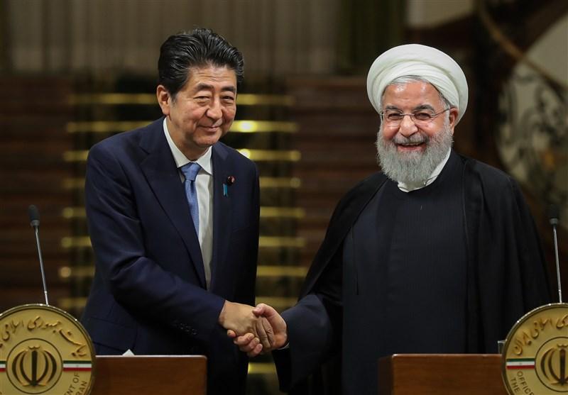 گزارش| سفر شینزو آبه به تهران؛ از دیدار و گفتوگو با روحانی تا پاسخ قاطعانه امام خامنهای