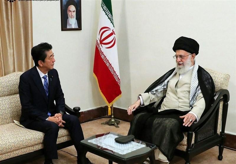 Japan's Prime Minister Meets Ayatollah Khamenei in Tehran