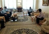 دیدار فرمانده نیروی هوایی ارتش با خانواده خلبان زرتشتی نهاجا
