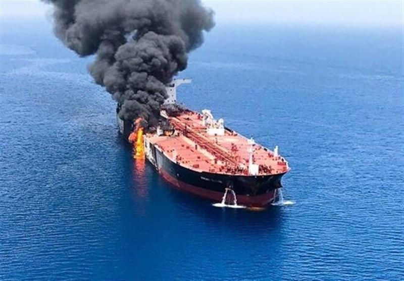 نفتکش های حادثه دیده از آب های تحت نظارت ایران خارج شدند + عکس