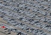 انبار هزاران خودرو در پارکینگهای ایرانخودرو و سایپا؛ وزیر صنعت تذکر گرفت